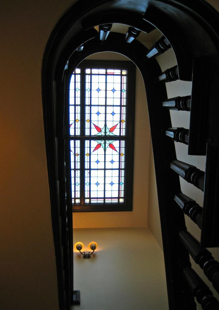 Stairwell in Wheeler-Kohn House © Ellen Wade Beals, 2015