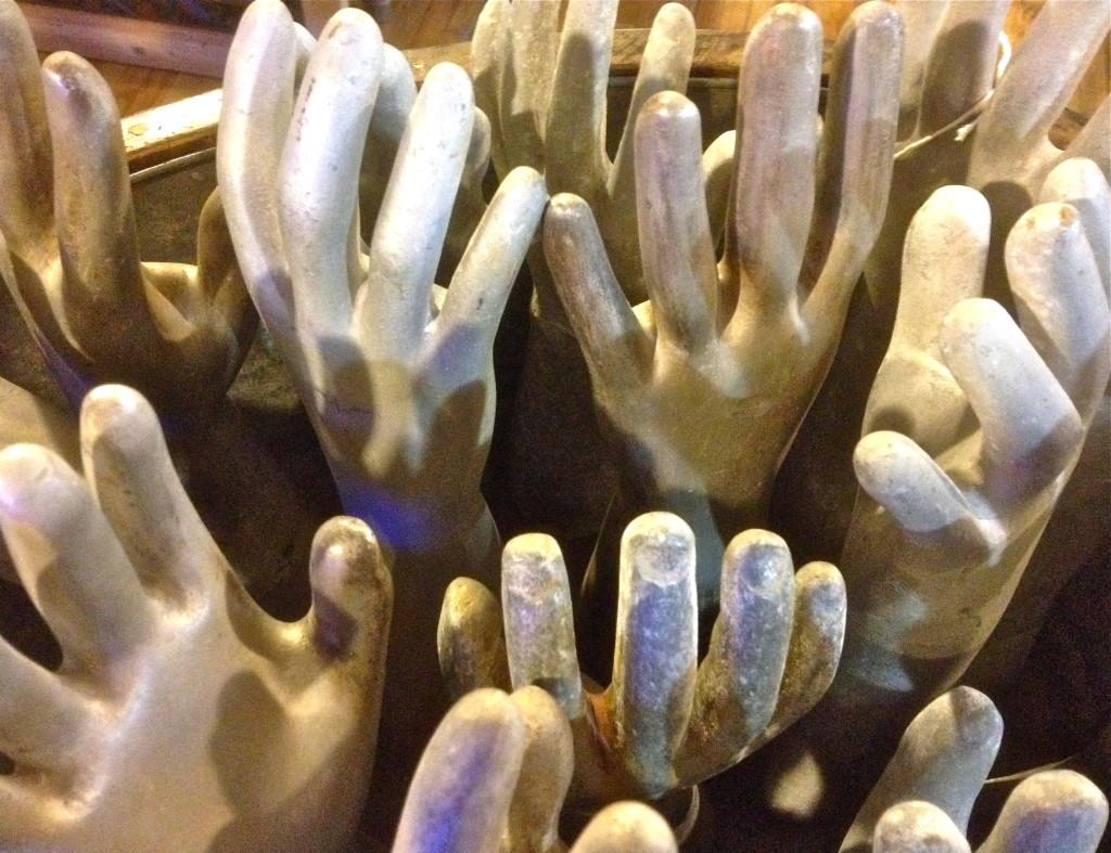 Gimme a hand © Ellen Wade Beals, 2017